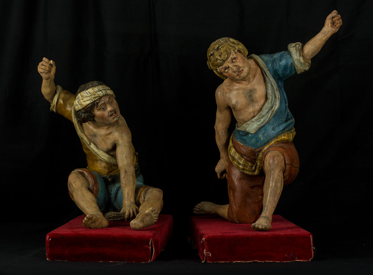 87- Par de esculturas napolitanas